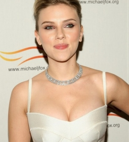 scarlettjohansson redcarpet dress 05
